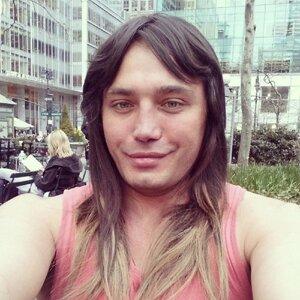 Рустам Калганов нарастил волосы